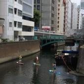 神田川で スタンドアップパドルボート(SUP)