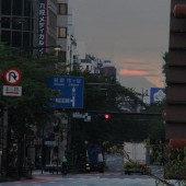 九段から 三重朝焼け傘雲 富士山の夜明け
