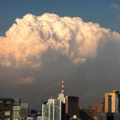 夕方現れた 積乱雲 環状雲